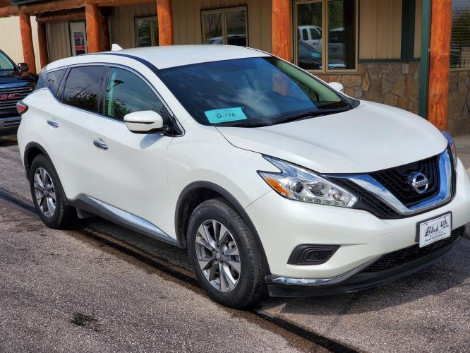 2017 White Nissan Murano S (5N1AZ2MH6HN) with an 3.5L V-6 engine, 1-Speed CVT w/ Overdrvie transmission, located at 1600 E Hwy 44, Rapid City, SD, 57703, (605) 716-7878, 44.070232, -103.171410 - Photo #0