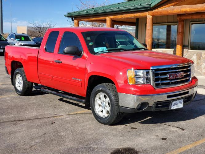 2013 GMC Sierra 1500 SLE (1GTR2VE7YDZ) with an 5.3L V-8 Vortec VVT SFI W/ Active Fuel Management engine, 6-Peed Automatic transmission, located at 1600 E Hwy 44, Rapid City, SD, 57703, (605) 716-7878, 44.070232, -103.171410 - Photo #0